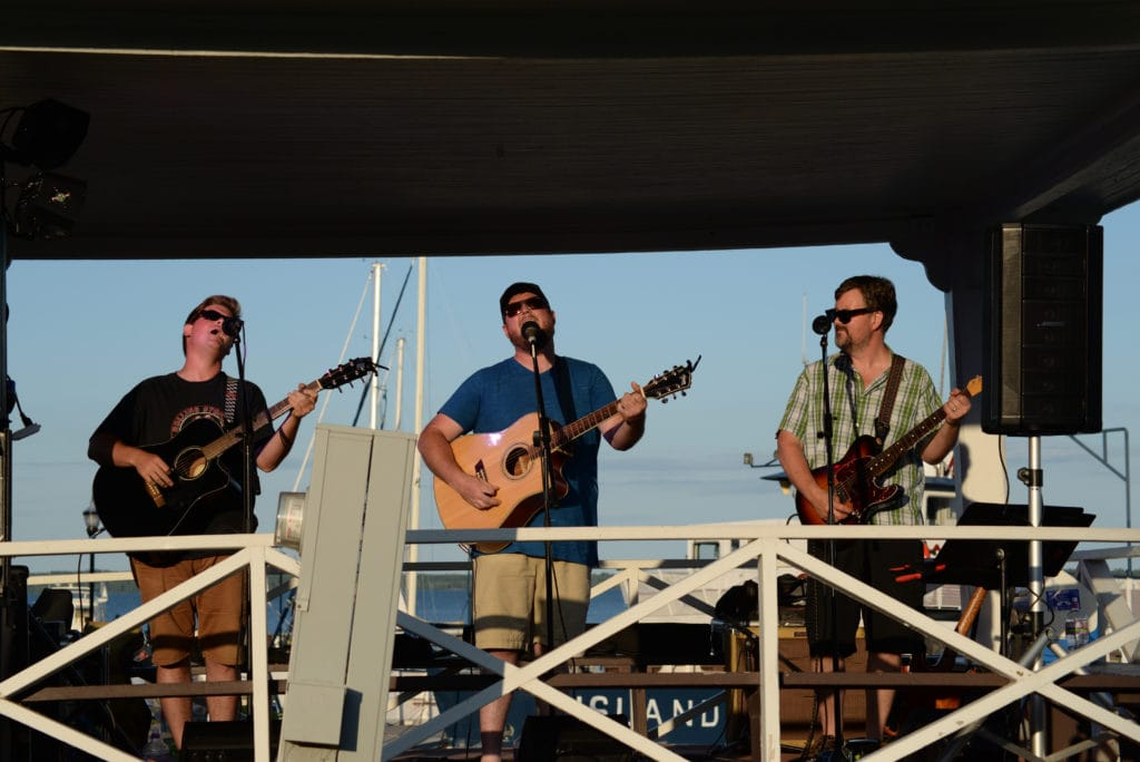 outdoor live music at bayfield inn